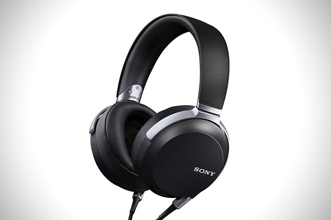 sony-mdrz7-hi-res-stereo-headphones
