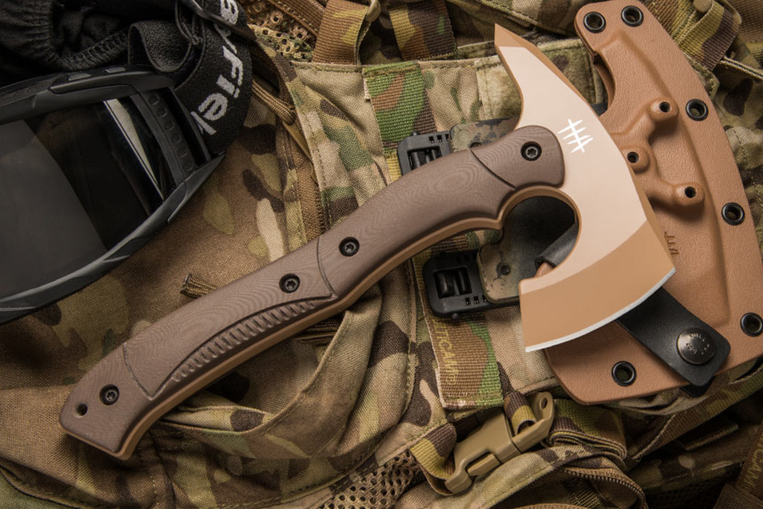Hardcore Hardware Compact Tactical Tomahawk Hiconsumption
