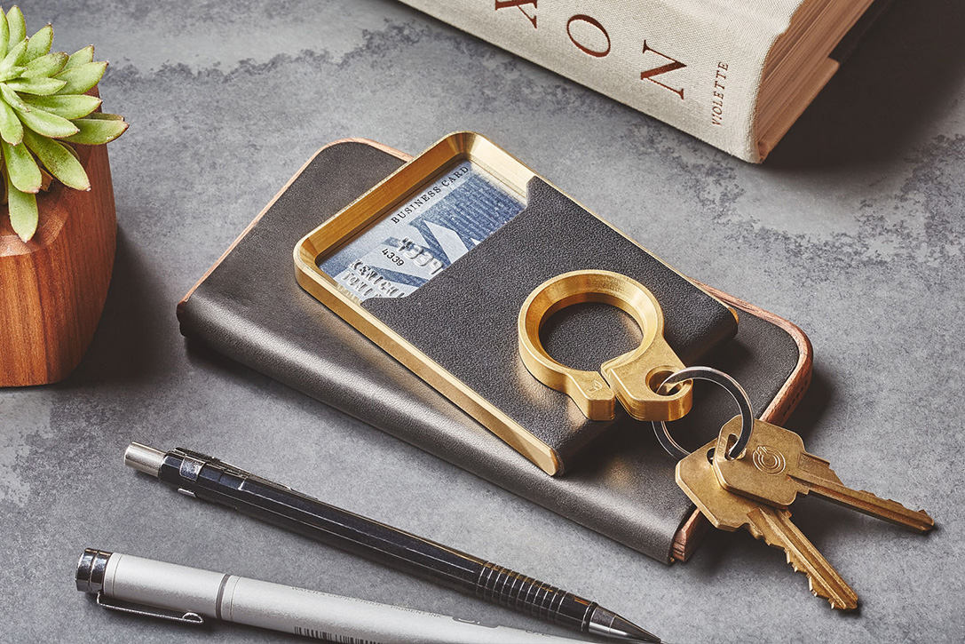 25 Best Minimalist Wallets For Men