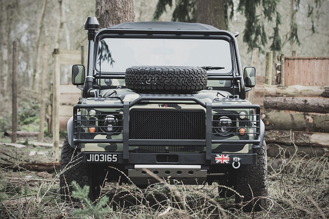 land rover defender military edition hiconsumption. Black Bedroom Furniture Sets. Home Design Ideas
