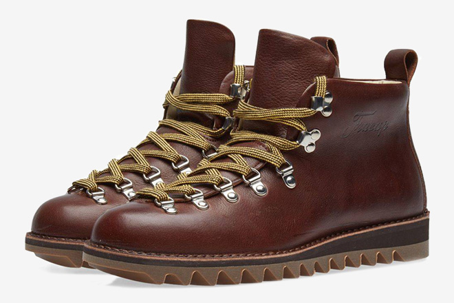 2f2749613075e Trailblazers  10 Best Vintage Hiking Boots