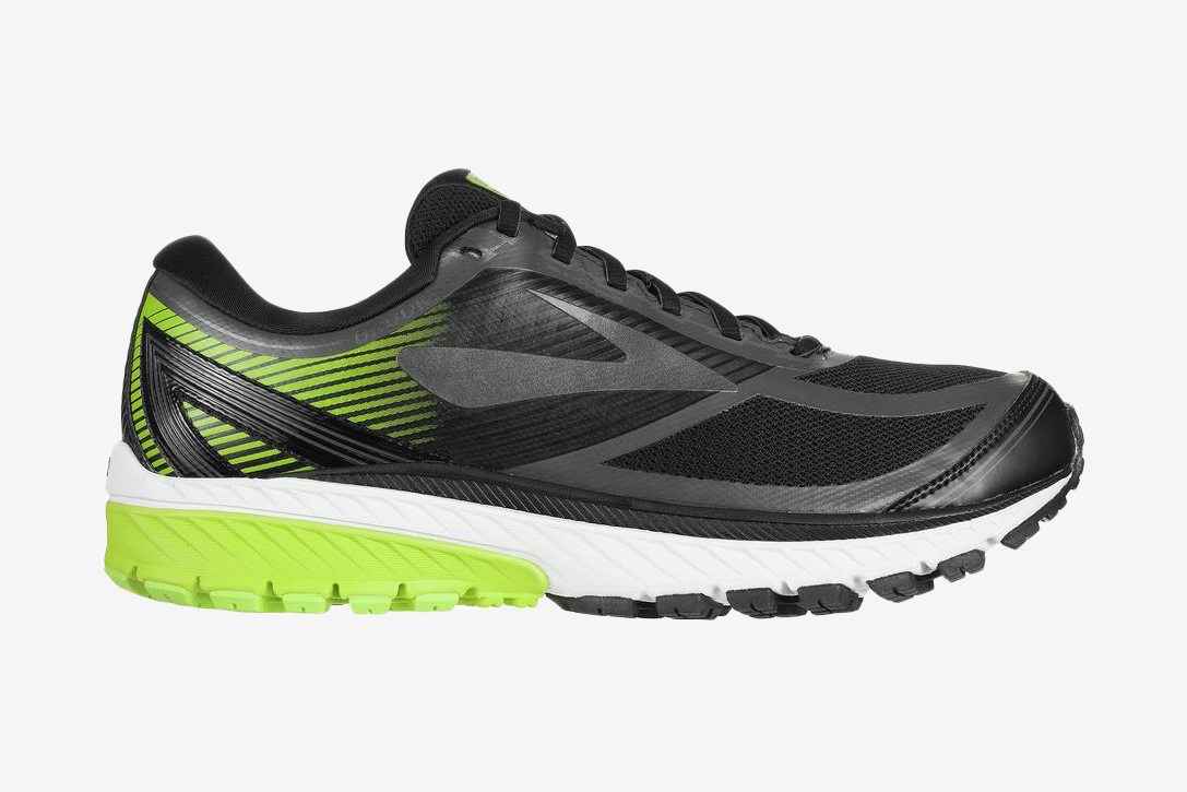 Wet Willy: 10 Best Waterproof Running Shoes For Men