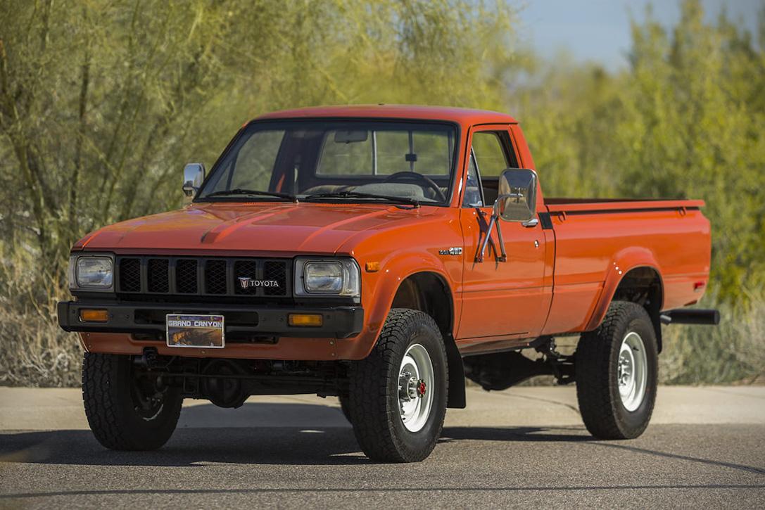 1983-Тойота-Хайлюкс-Экстерьер-2.jpg