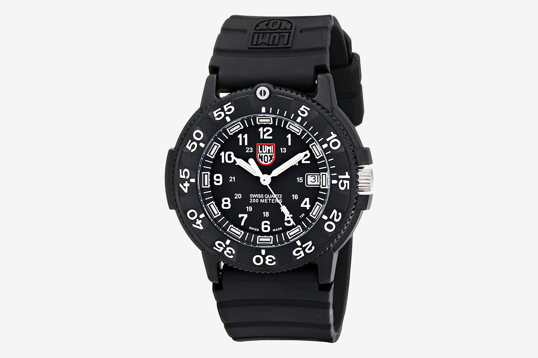 Under pressure 10 best affordable dive watches hiconsumption - Navy seal dive watch ...