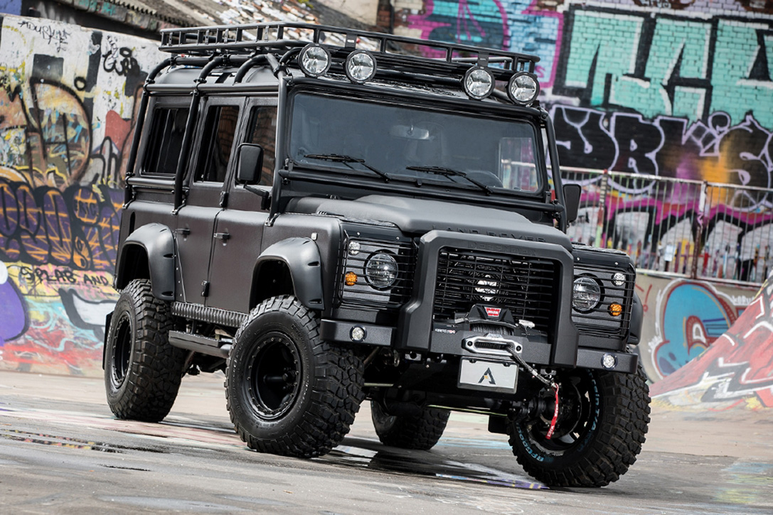 Land Rover Defender 110 Black Hawk Hiconsumption