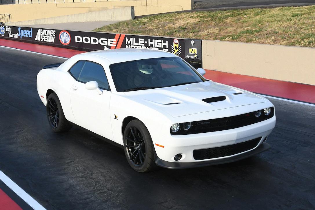 2019 Dodge Challenger Hellcat >> 2019 Dodge Challenger R/T Scat Pack 1320 | HiConsumption