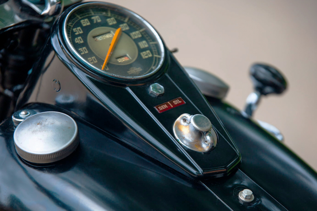 Harley Davidson: 1947 Harley-Davidson Servi-Car X Ford Model T