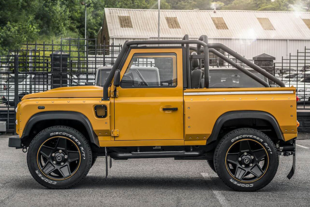 Land Rover Truck >> 2015 Land Rover Defender Xs 90 By Chelsea Truck Co