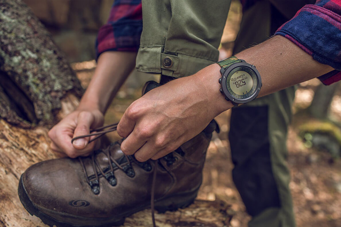 8 Best Outdoor Smartwatches For Hiking & Camping