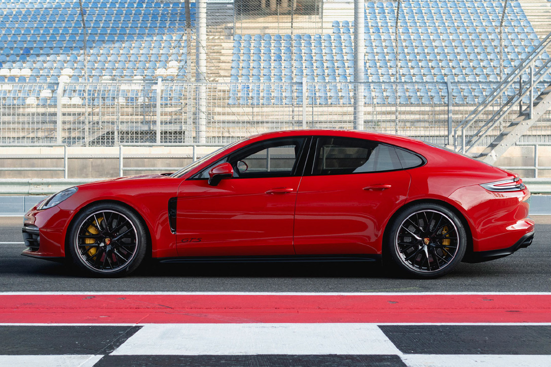 2019 Porsche Panamera GTS | HiConsumption