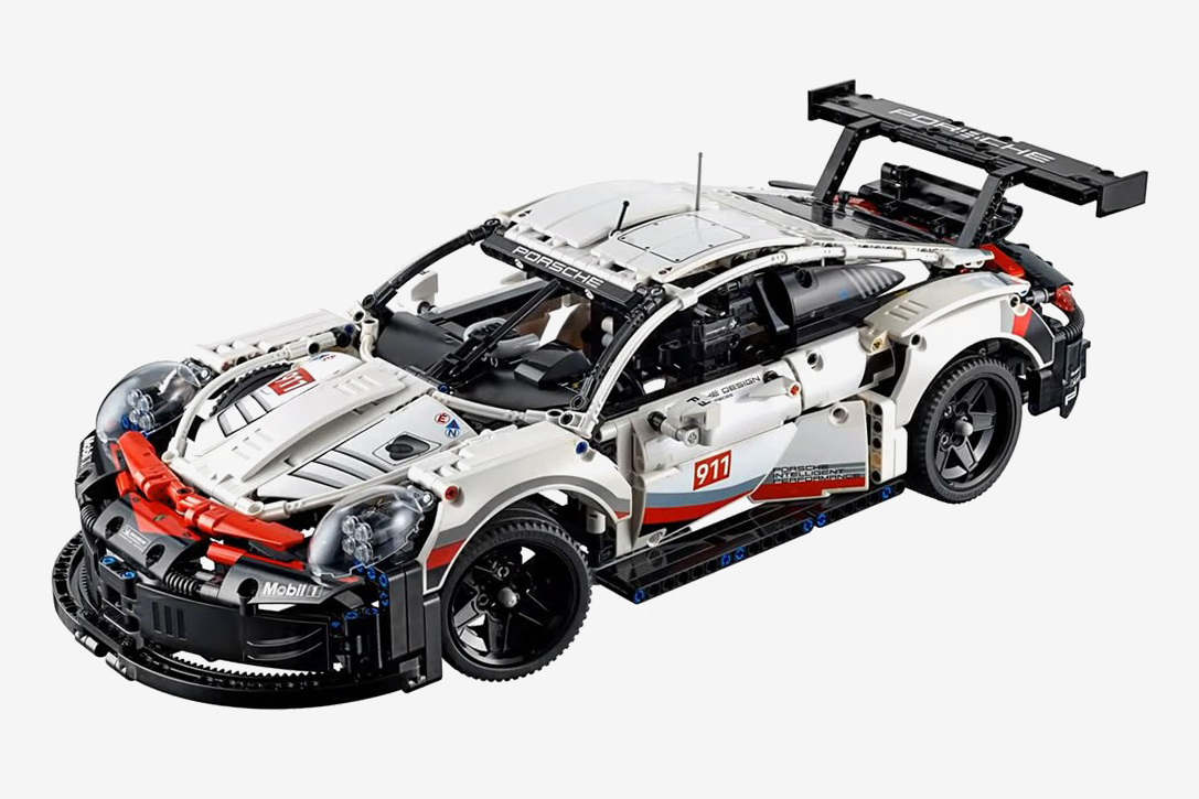 lego technic porsche 911 rsr hiconsumption. Black Bedroom Furniture Sets. Home Design Ideas