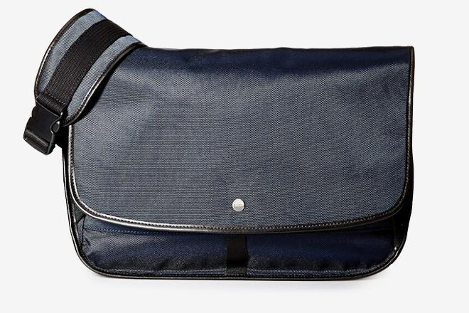 5c352e1ab5 The 20 Best Messenger Bags For Men