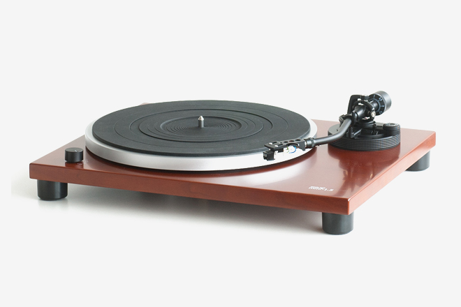Package Deal: The 8 Best All-In-One Turntables | HiConsumption