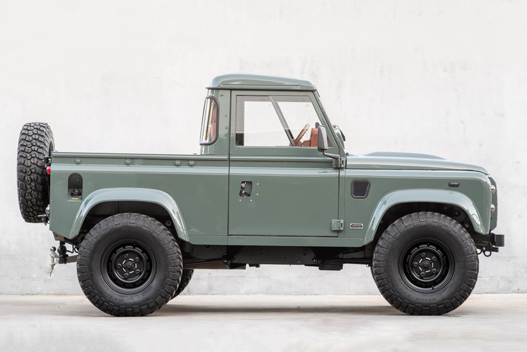 2013 land rover d90 pickup by coolnvintage hiconsumption. Black Bedroom Furniture Sets. Home Design Ideas