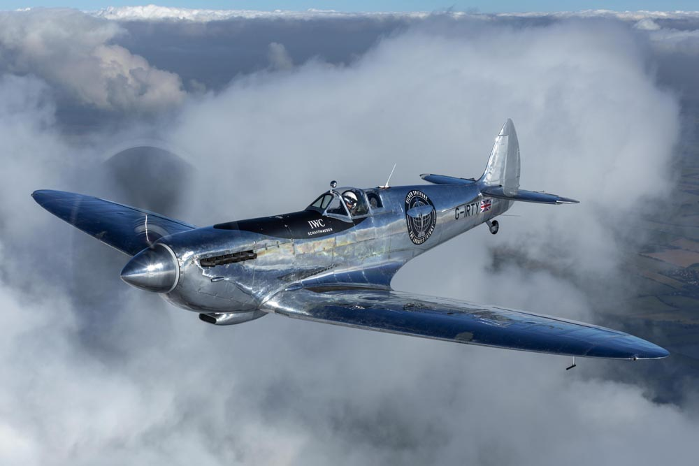 1943 Supermarine Spitfire MX IX Fighter Plane By IWC