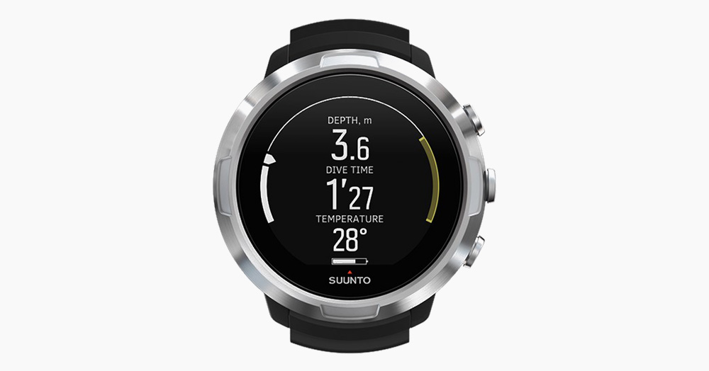 Explore 100M Ocean Depths With The Suunto D5 Dive Computer