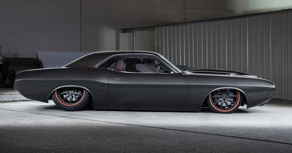 A Monstrous ProCharged HEMI Engine Gives This '70 Challenger 2,500HP