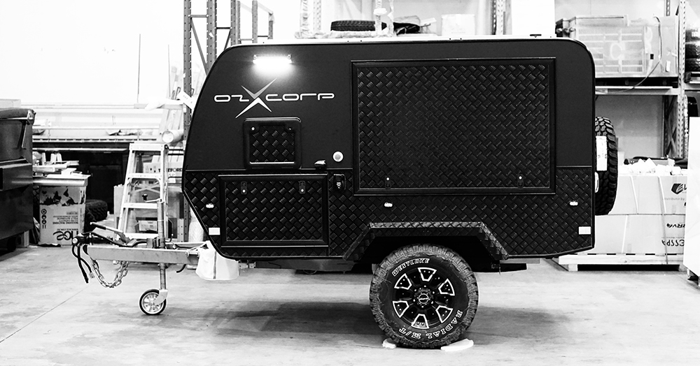 OzX's Off-Road Electric Smart Trailer Has A 22HP Motor & Can Self-Park