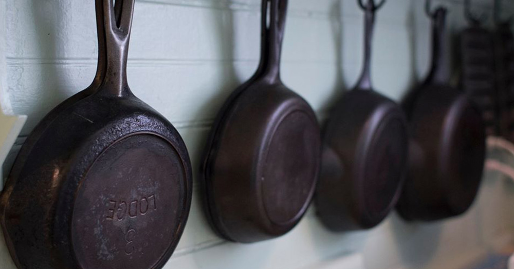 The Complete Guide To Lodge Cast Iron Skillets & Cookware