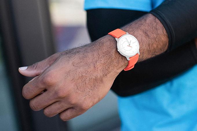 10 Best Hybrid Smartwatches Of 2021 Hiconsumption
